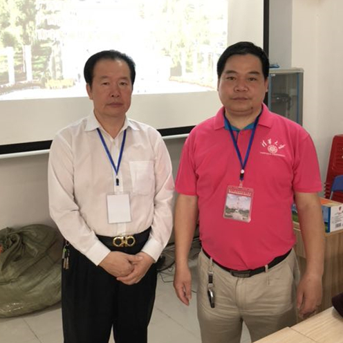 杨炳仪老师与裴翁大师合照